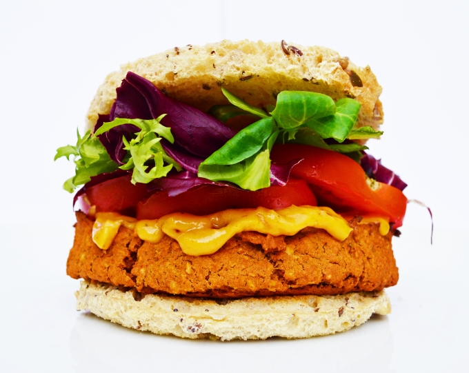 Chickpea & Chilli Peanut Burger